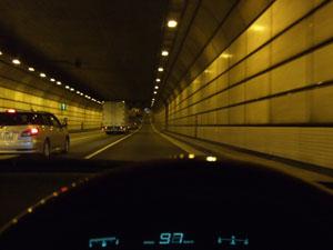湾岸線のトンネル