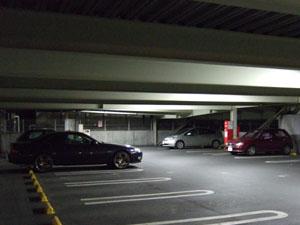 江戸遊の駐車場(M/Tソアラとスターレットのツーショット)