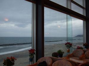 大観荘 せなみの湯のロビーからの日本海の眺め