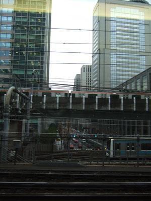 とき328号はスローダウンし、東京駅へ…