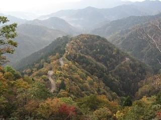 紅葉のおにゅう林道