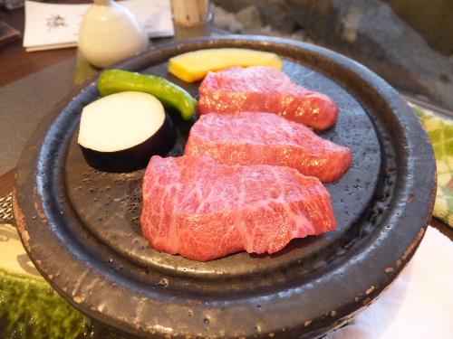 熊野牛の石焼き♪