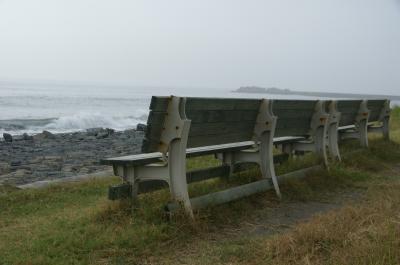 海辺のベンチ-1
