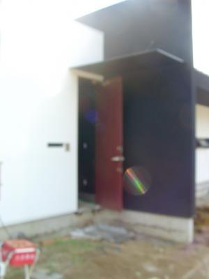茶色のドア