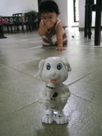 9-7-1美咲と犬のおもちゃ