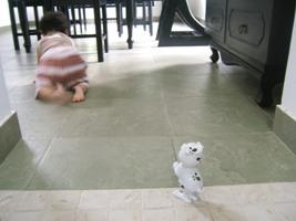 9-7-1美咲と犬のおもちゃ1