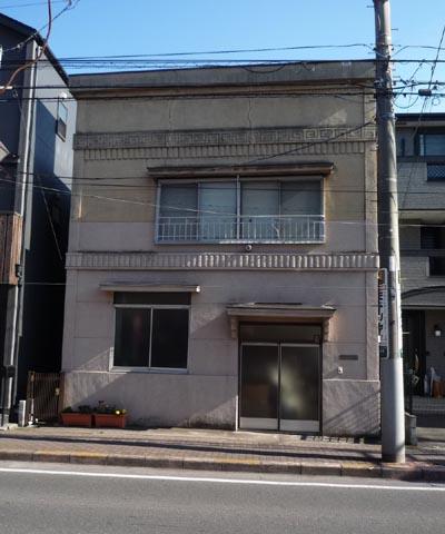 田中帽子店斜め向かいの家①
