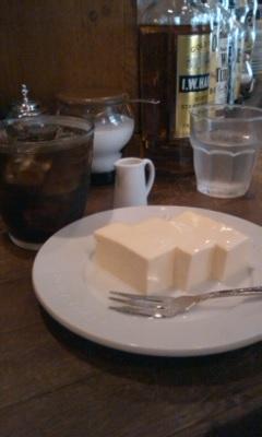 チーズケーキとアイスコーヒー@Jazz&Coffee YURI