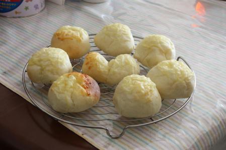 チーズ満載のパン