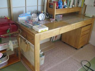 子供の机の上の整理方法
