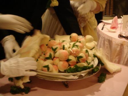 桃から生まれた桃饅頭たち