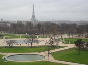 始まりはパリから