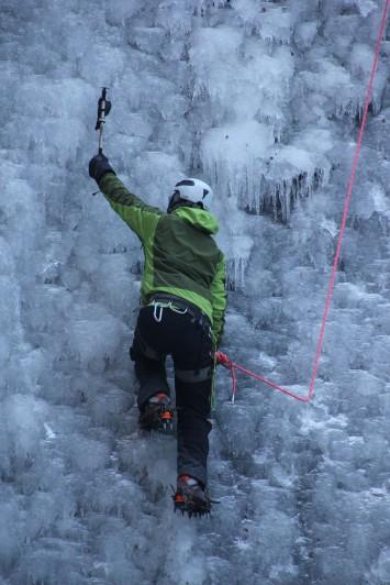 氷の壁に挑む