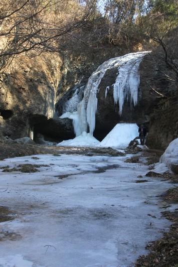 月待の滝全景