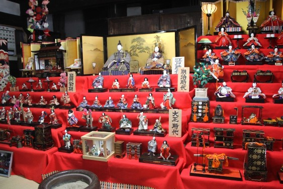 江戸時代から現在までのお雛様の展示