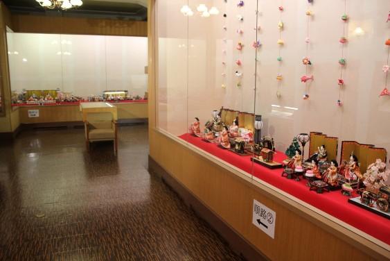 郷土資料館のお雛様の展示