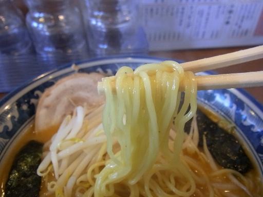ストレート中細麺