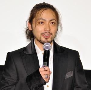 山田孝之さんの「MW-ムウ-」初日舞台挨拶