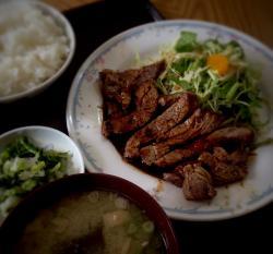 三潴屋ステーキ