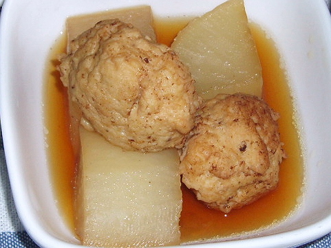 200896お大根と鶏団子の炊いたの