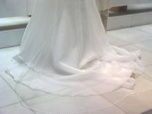 白系は花嫁さんだけの色でしょうに・・・