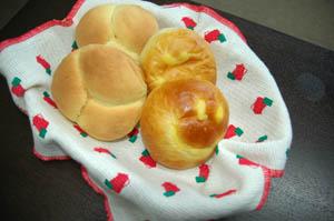 三色パンとクリームパン