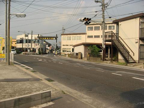 愛知川宿南側入口.