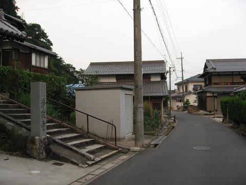 旧中山道・浄敬寺前