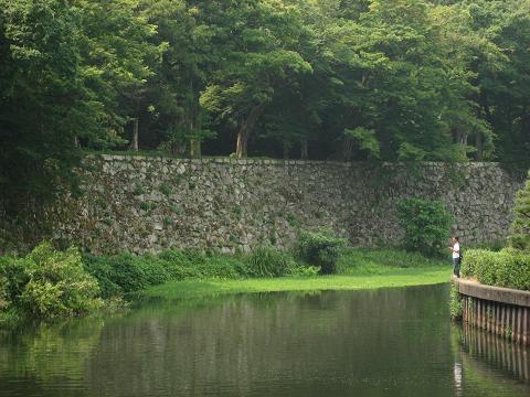 彦根城・黒門跡付近の内堀