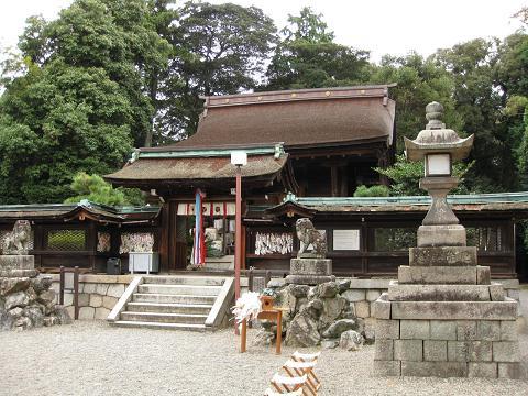 大宝神社社殿