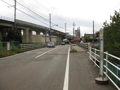 旧中山道・葉山川橋付近