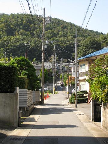 旧東海道・日ノ岡峠へ