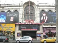 モンマルトルの劇場
