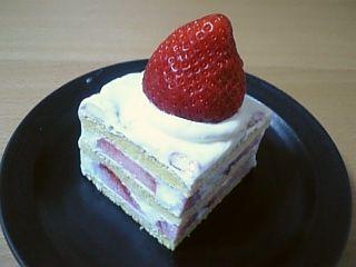 あまおうのケーキ♪カット