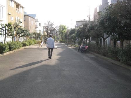 遊歩道の人