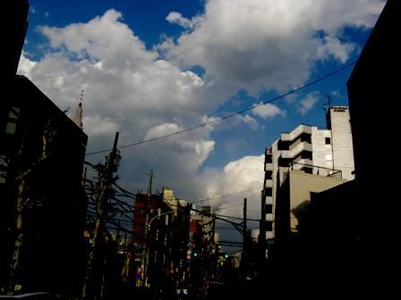 代々木の雲2