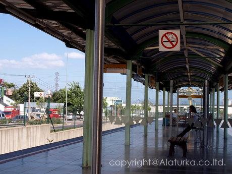 ブルサ郊外の駅