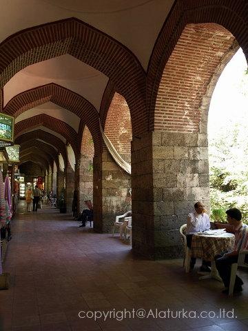 ブルサ コザハンの回廊