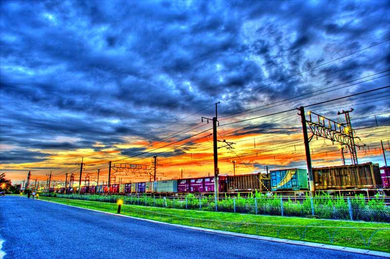 夕方の貨物列車