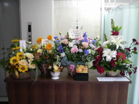 受付の花々