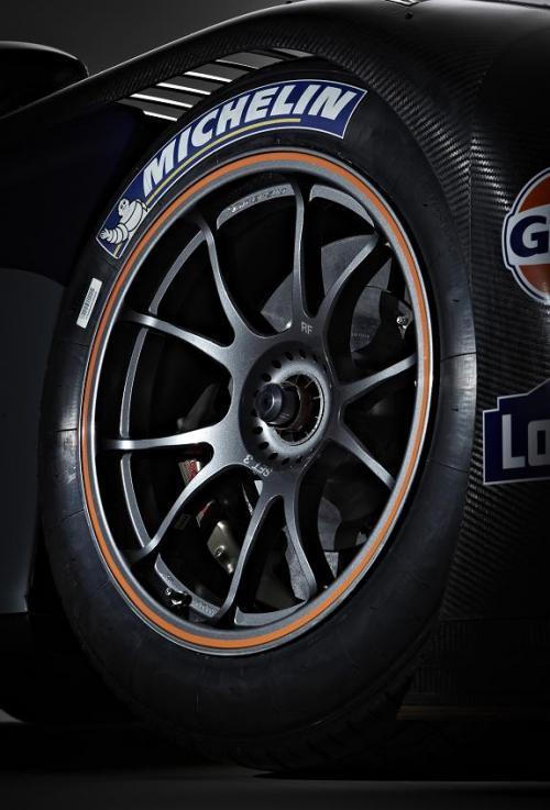aston_race_wheel_002_final.jpg