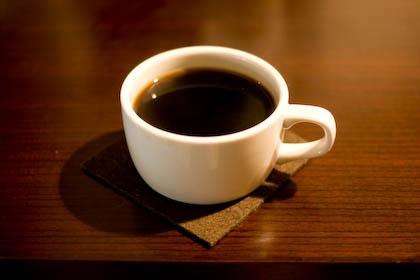 外でコーヒーでも飲みながらノートパソコンを使うのも一興