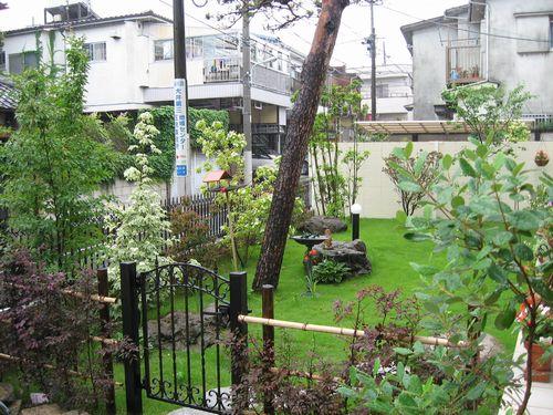 玄関から庭043