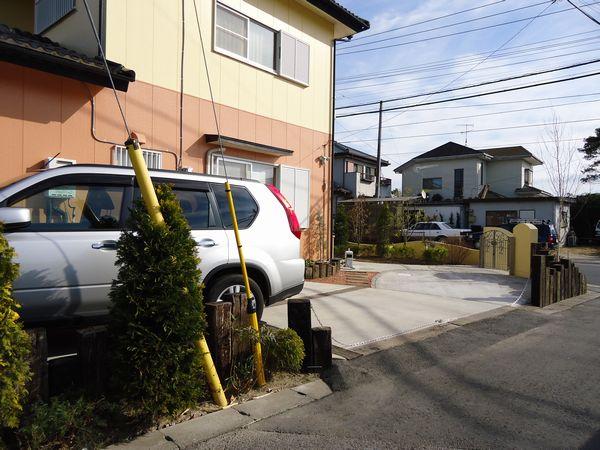 駐車場全体から完成
