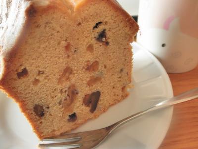 パウンドケーキ(ラムレーズン・くるみ入り)