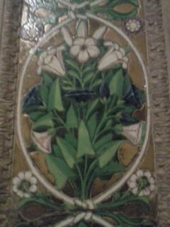 サンタ・トリニタ教会のロッビアのユリ