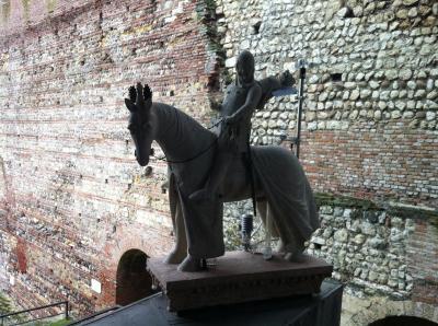カングランデ一世騎馬像