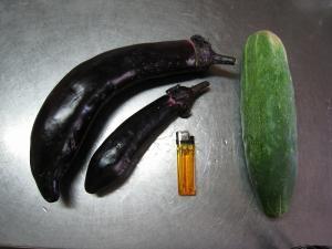 巨大茄子と巨大胡瓜