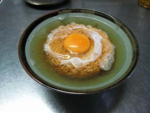日清チキンラーメン1、新玉子ポケット