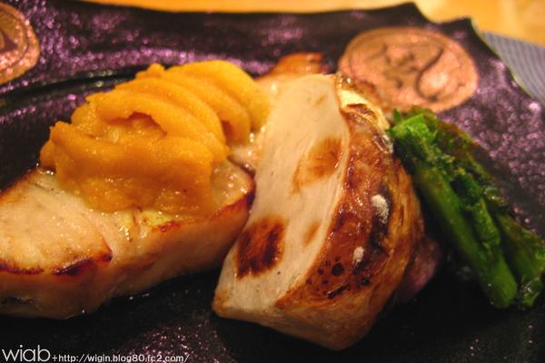 白身魚にウニを乗っけて☆ それにカブも美味い。